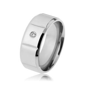 Hladký ocelový prsten stříbrné barvy, zirkon, svislé zářezy, zbroušené okraje - Velikost: 61