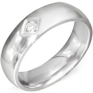 Lesklý stříbrný ocelový prsten se čtvercovým zářezem a čirým zirkonem - Velikost: 55