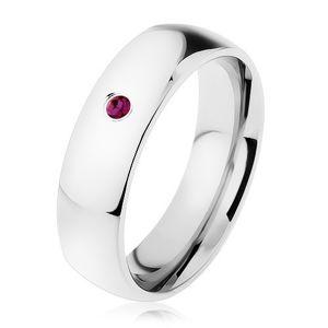 Ocelový prsten, zrcadlový lesk, fialový zirkon, hladká ramena - Velikost: 59