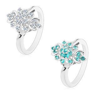 Prsten s lesklými rameny, třpytivý podlouhlý květ z kulatých zirkonů - Velikost: 50, Barva: Čirá