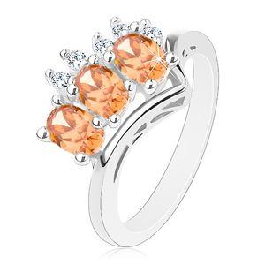 Prsten ve stříbrné barvě, oranžové ovály a kulaté čiré zirkonky - Velikost: 56