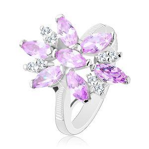 Prsten ve stříbrné barvě, velký květ ze světle fialových a čirých zirkonů - Velikost: 51