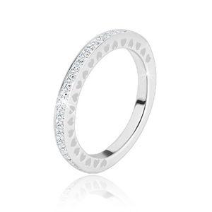 Prsten ze stříbra 925 - čiré blýskavé zirkonky, drobné srdíčkové výřezy - Velikost: 56