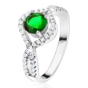 Stříbrný 925 prsten, kulatý zelený kámen, zatočená zirkonová ramena - Velikost: 58