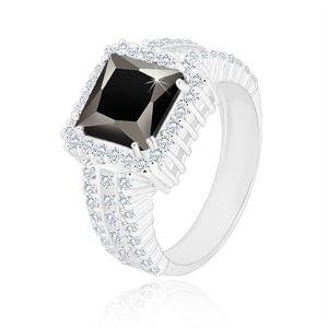 Stříbrný prsten 925 - černý zirkonový čtverec, čirý zirkonový lem a ramena - Velikost: 56