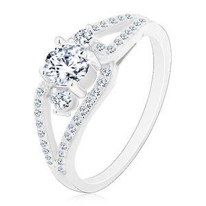 Stříbrný prsten 925, rozdělená třpytivá ramena, tři kulaté čiré zirkony - Velikost: 51