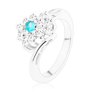 Třpytivý prsten ve stříbrném odstínu, obdélník v čiré a světle modré barvě - Velikost: 51
